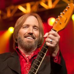 Qui joue encore pour Tom Petty?