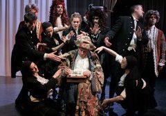 """""""LE BOURGEOIS GENTILHOMME"""" de Molière, mis en scène par Denis PODALYDES, au Théâtre des Bouffes du Nord"""